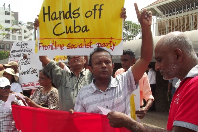 Front Line Socialists Demand Lift the Blockade on Cuba in front of US Embassy !