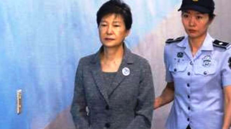 Former South Korean President to Pay 24 years for Corruption !